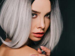 Hair trend 2021, cinquanta sfumature di grigio